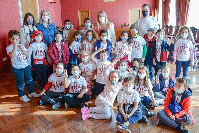 Alumnos de segundo de primaria del Almirante Topete visitan el Ayuntamiento de Tomelloso