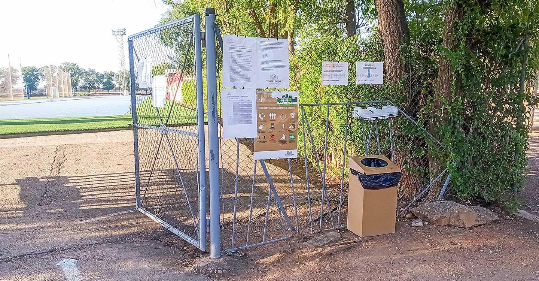 Los trabajos de mantenimiento llegan a la Ciudad Deportiva, la cancha de golf y al Estadio Municipal en la localidad de Tomelloso