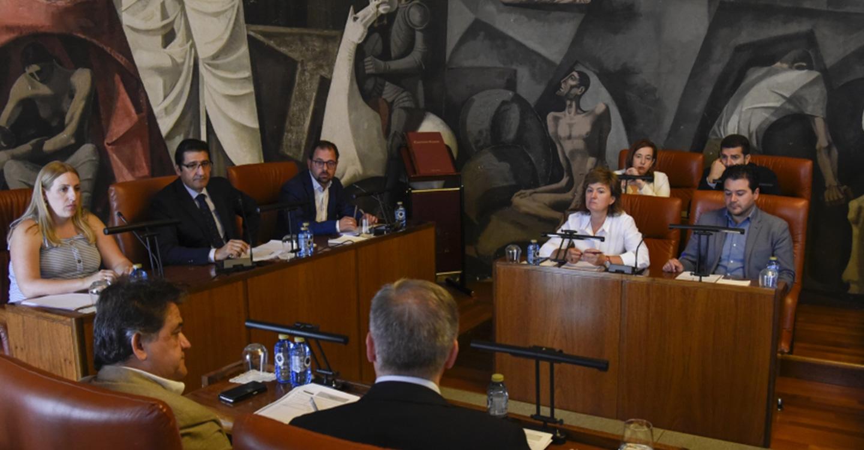 Aprobada por unanimidad la propuesta de organización de la Diputación en el segundo mandato de Caballero