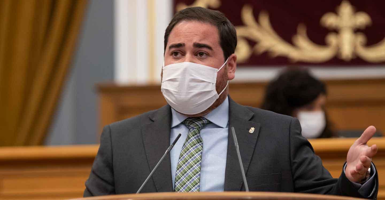 """Camacho destaca la gestión del Gobierno regional en las residencias de mayores ante la COVID y llama al PP al """"consenso"""""""