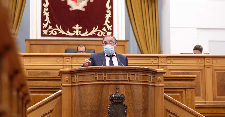 Mora destaca el compromiso del PSOE con la Constitución y lamenta el interés partidista del PP