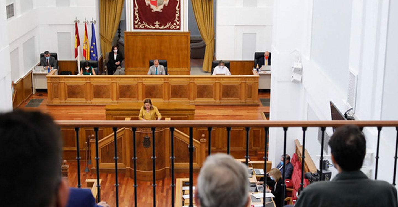El Pleno de las Cortes de CLM aprueba la 'Ley de Ciencia' con los apoyos de PSOE y PP