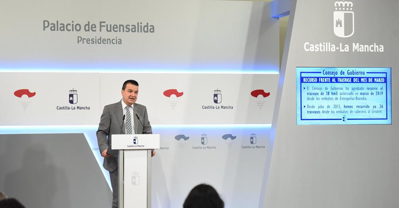 """El Gobierno de Castilla-La Mancha avanza en una política de agua """"distinta"""" frente a la normativa """"injusta"""" del Memorándum que perjudica a la región"""