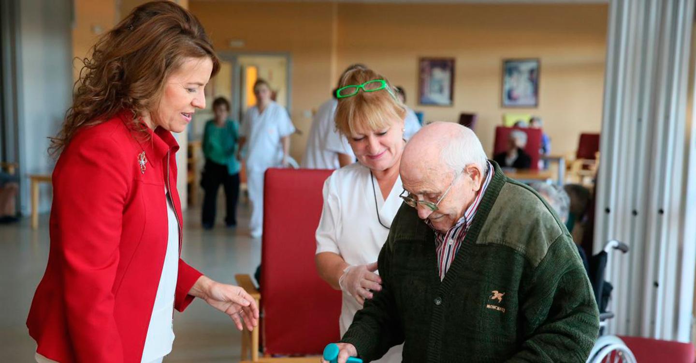 El Gobierno de Castilla-La Mancha pone en marcha desde hoy dos prestaciones económicas del Sistema de Dependencia dirigidas a mayores y personas con discapacidad