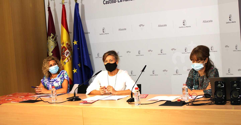 """El Gobierno regional inicia el programa de alfabetización digital """"Los mayores forman la red Castilla-La Mancha 2020"""""""