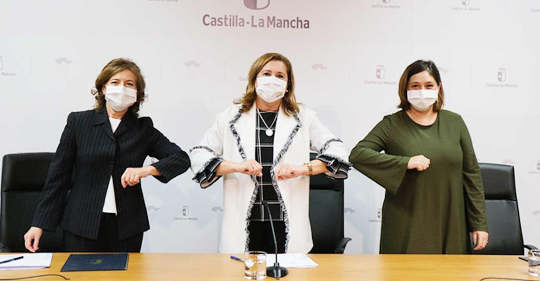 El Gobierno regional ofrece de forma telemática a las residencias de mayores 23 obras para hacer más llevadera la estancia de los residentes durante la pandemia