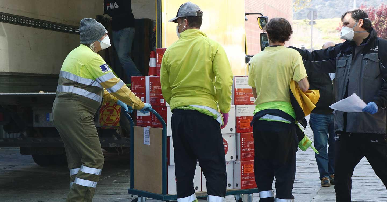 El Gobierno de Castilla-La Mancha ha enviado esta semana cerca de medio millón de artículos de protección para los profesionales sanitarios