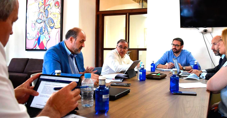 Gobierno regional, PSOE y Ciudadanos acuerdan la creación de grupos de trabajo para diseñar la estrategia de recuperación tras la COVID-19