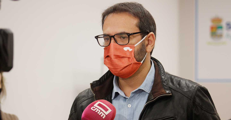"""Gutiérrez: """"No entendemos cómo el PP está en contra de una ley que obliga a tener los almacenes llenos de mascarillas y EPIS"""""""