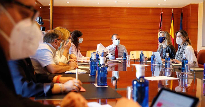 La Mesa de las Cortes de Castilla-La Mancha decide reanudar la actividad parlamentaria y convoca un Pleno ordinario para el jueves