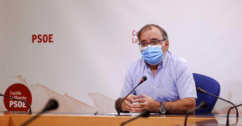 """Mora reclama a Núñez que defienda a CLM y recalca que el """"combate"""" es contra el virus y no entre partidos"""