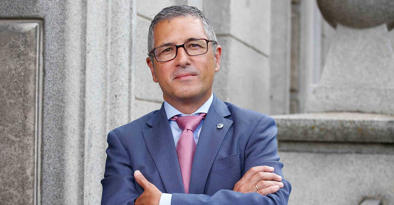 El secretario de Estado de Medio Ambiente aboga por un nuevo modelo energético basado en el desarrollo sostenible
