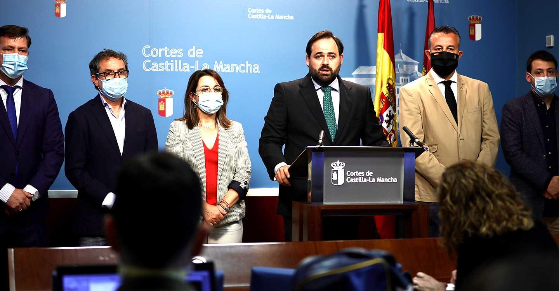 Núñez propone un fondo de liquidez para gastos extraordinarios derivados de la pandemia de 100 millones de euros para los ayuntamientos de Castilla-La Mancha