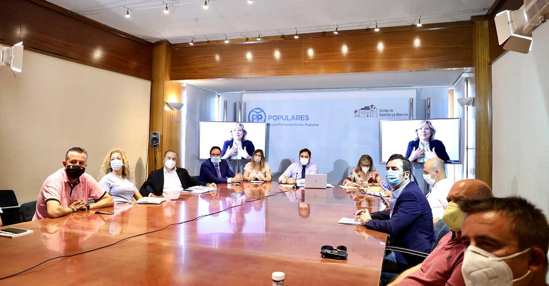 Núñez vuelve a reclamar a Page que ponga encima de la mesa las medidas necesarias para garantizar la vuelta a las aulas con todas las garantías de seguridad