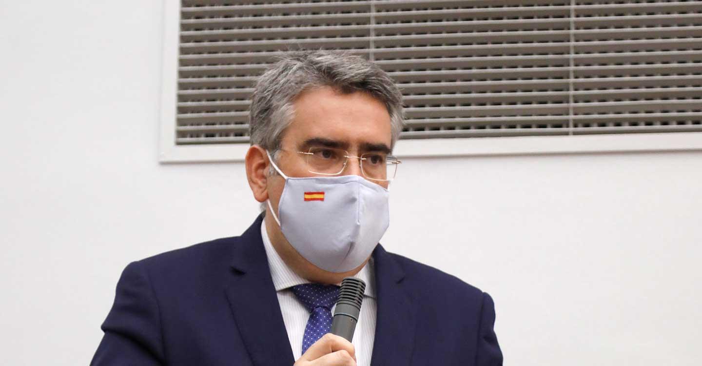 """Rodríguez: Page solo cuenta la """"cara A"""" de sus medidas mientras que la """"cara B"""", la del paro y la crisis, la sufren las familias y los autónomos"""